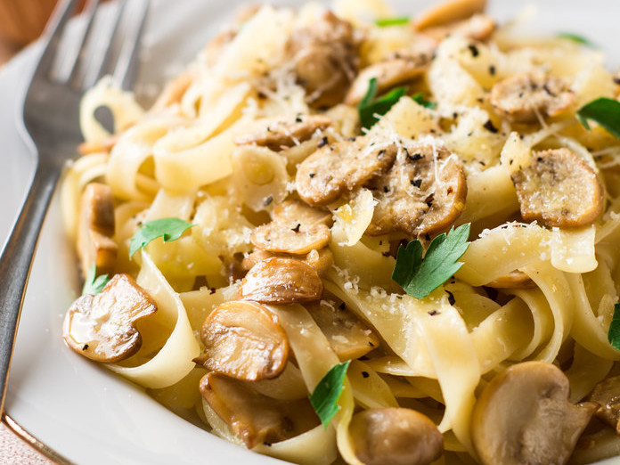 Eating Pasta Is Linked to Weight Loss, According to a New Study 040418-pasta-lead