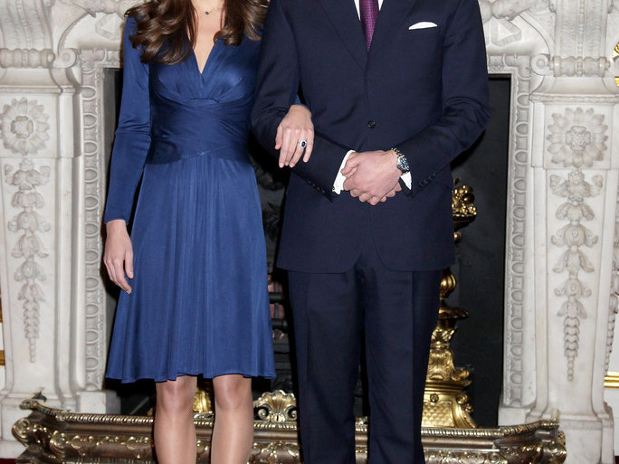 Kate Middleton's Famous Engagement Dress Is in Stock for Just $140 081816-kate-engagment-dress-lea
