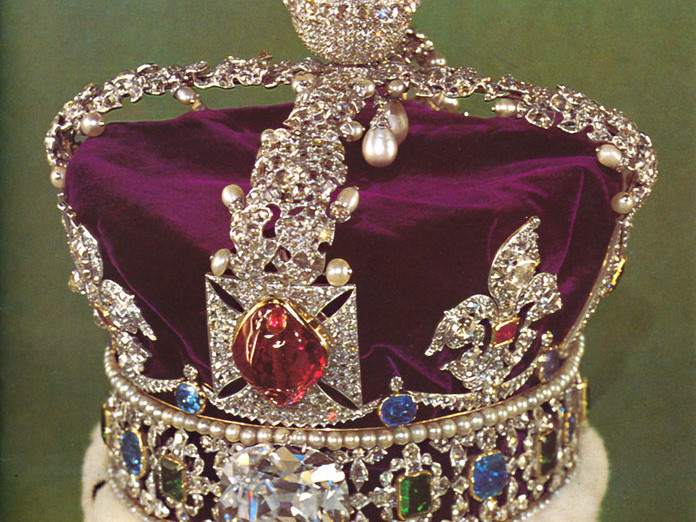 """Princess Eugenie Will Likely Wear This """"Ancestral"""" Tiara to Her Wedding 100318-imperial-state-crown-embed"""