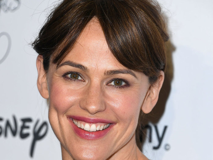 Jennifer Garner's New Bangs Are a Low Maintenance Upgrade to Any Haircut