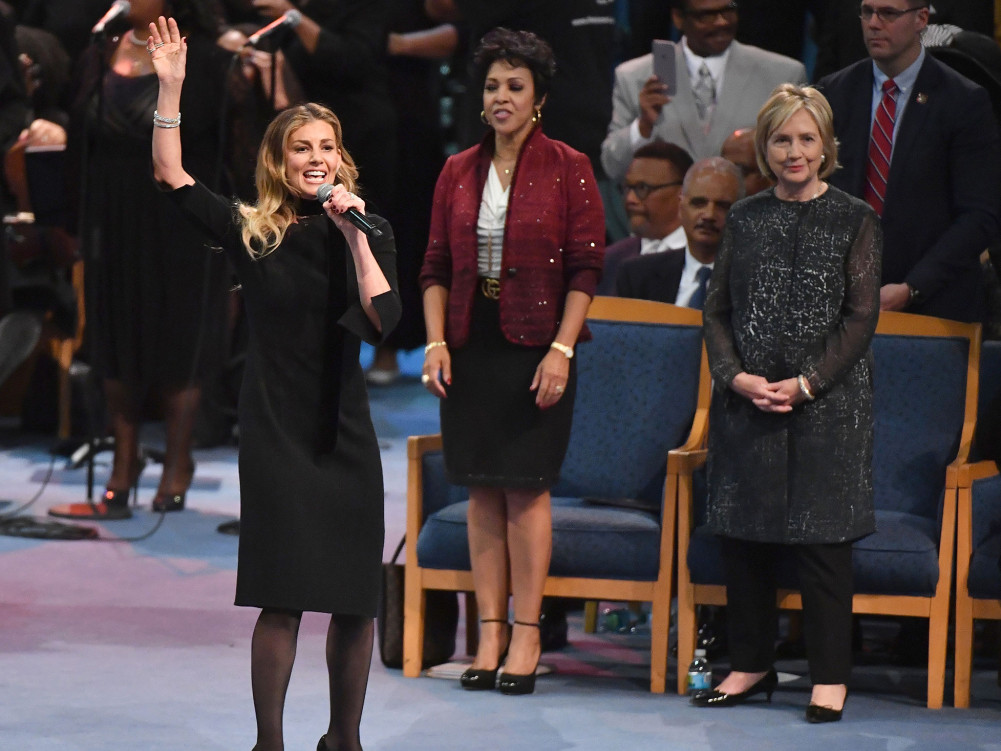 Faith Hill Performs 'What a Friend We Have in Jesus' at Aretha Franklin's Funeral aretha-franklin-27