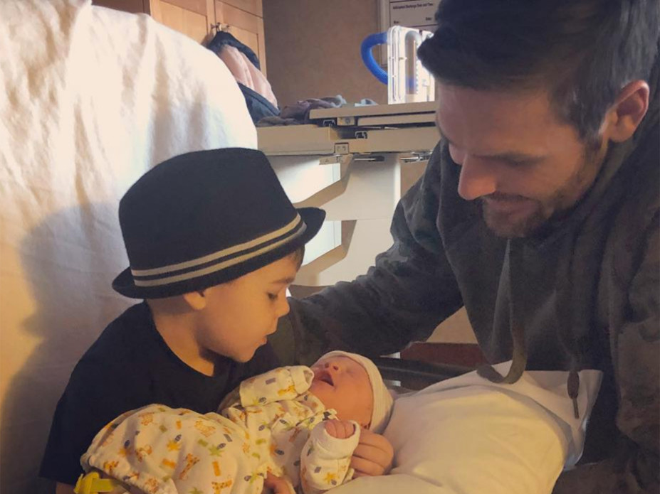He's Here!Carrie Underwood and Mike Fisher Welcome Son Jacob Bryan carrie-underwood-3