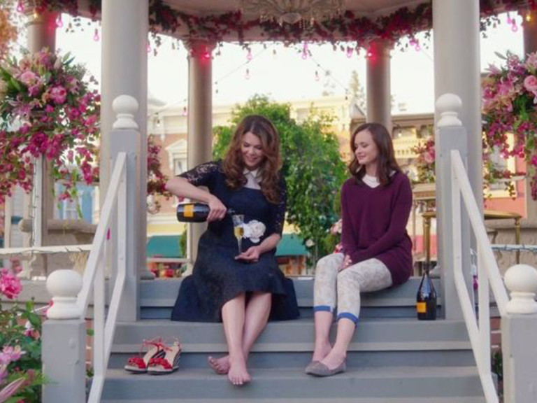 Grab Your Coffee! A Gilmore Girls Marathon Is Coming to TV on Thanksgiving gilmore-girls