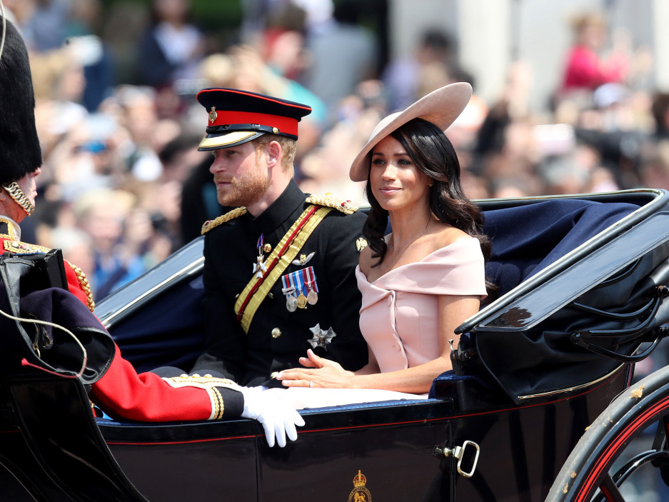 The Hidden Moment You May Have Missed Between Meghan Markle and Prince Harry on the Palace Balcony harry-meghan-6-2000