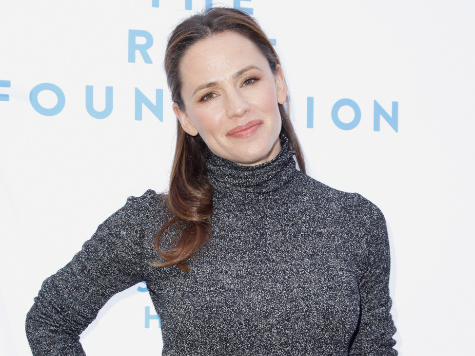 Jennifer Garner Had a Wardrobe Malfunction at Church: 'I Almost Showed Full Biscuit' jennifer-garner1
