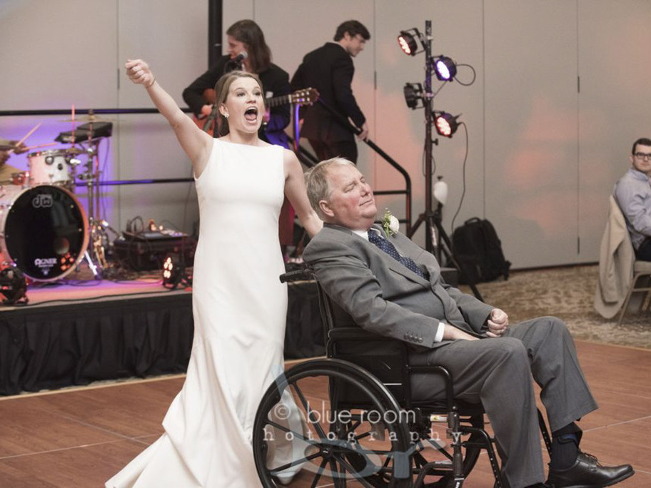 Alabama Bride Dances with Terminally Ill Father in Heartwarming Video: It Was a 'Perfect Day' jm1