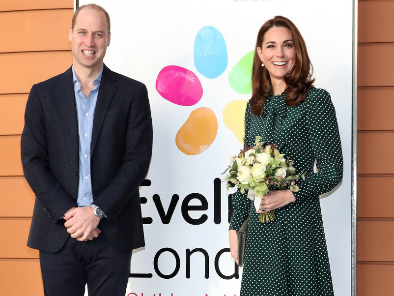 Prince William Jokes That 5-Year-Old Prince George 'Knows I'm Useless' at This Holiday Task kate-middleton-29