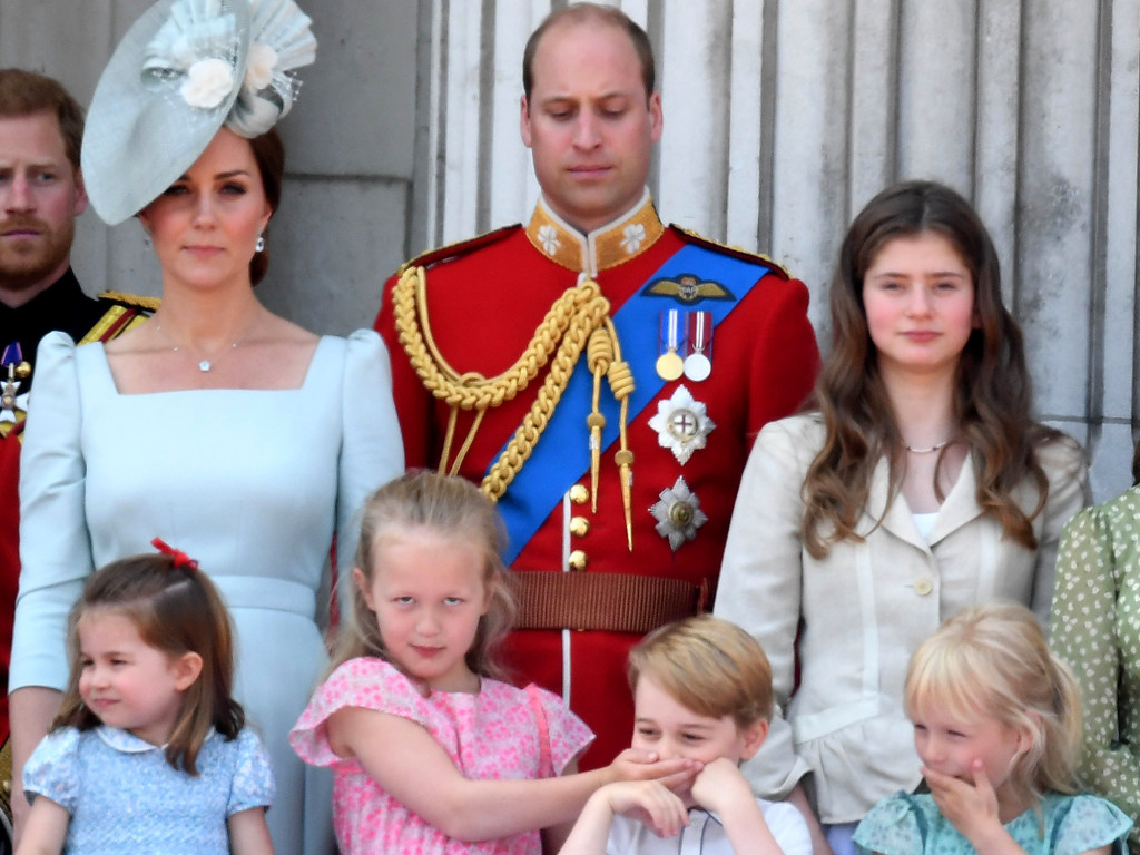 Princess Charlotte Has Mastered Big Brother Prince George's Royal Double Wave prince-george-3-2000