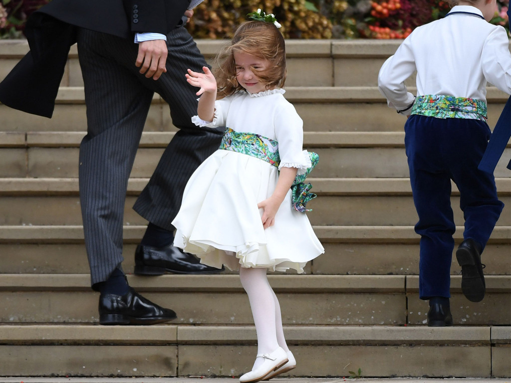Princess Charlotte Stole One of Mom Kate's Signature Moves in Wedding Portrait with Prince George princess-chrlotte