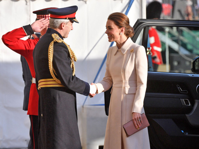 Kate Middleton Steps Out to Honor Troops as She Takes the Salute at Spectacular Military Parade rexfeatures_10286572v