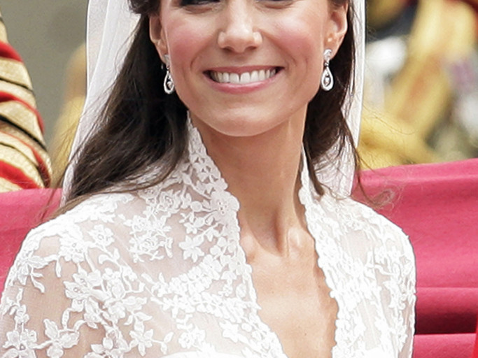 Kate Middleton Dipped Into the Queen's Jewelry Box for Their Church Outing: See the Photo! tiara-4