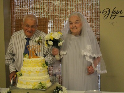 nine couples renew wedding vows senior home
