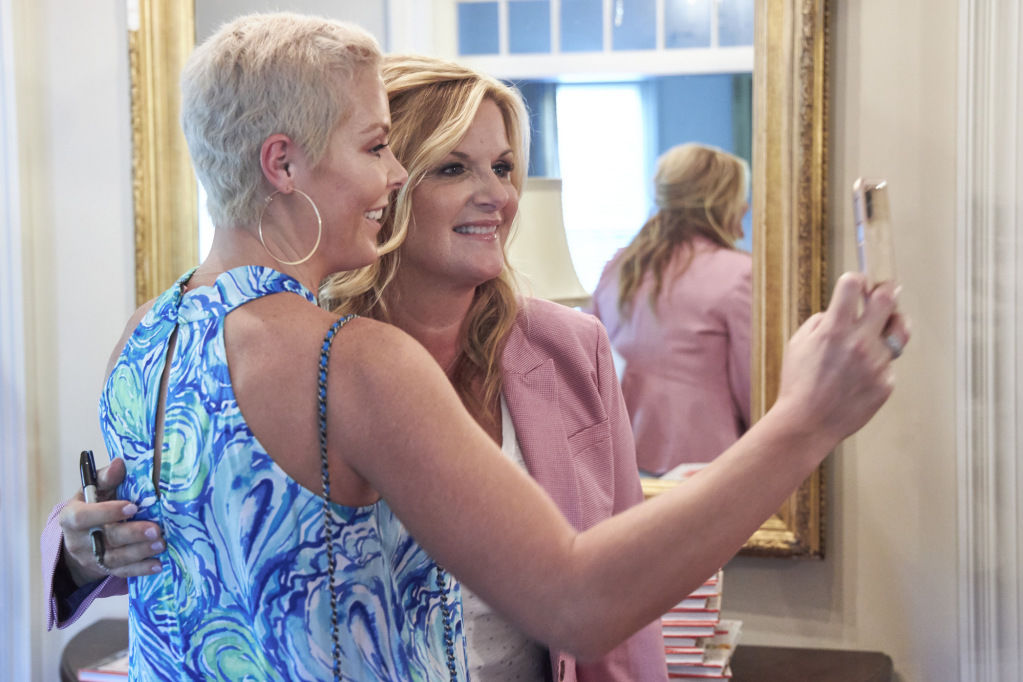 Remembering Her Late Mother, Trisha Yearwood Opens Her Home to Breast Cancer Survivors