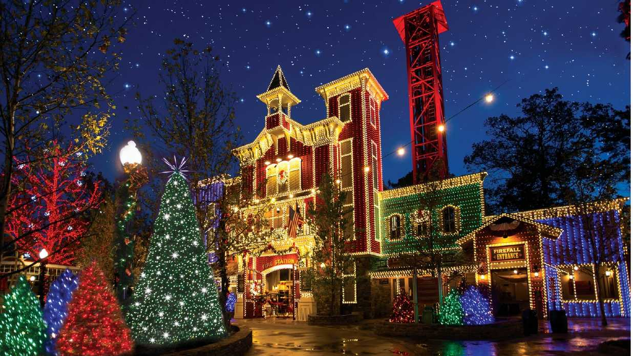 18 Reasons Why You Need to Visit Branson's Christmas Wonderland